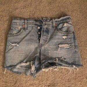 501 Wedgie Levi cut off shorts